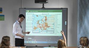 Lezioni interattive con la LIM